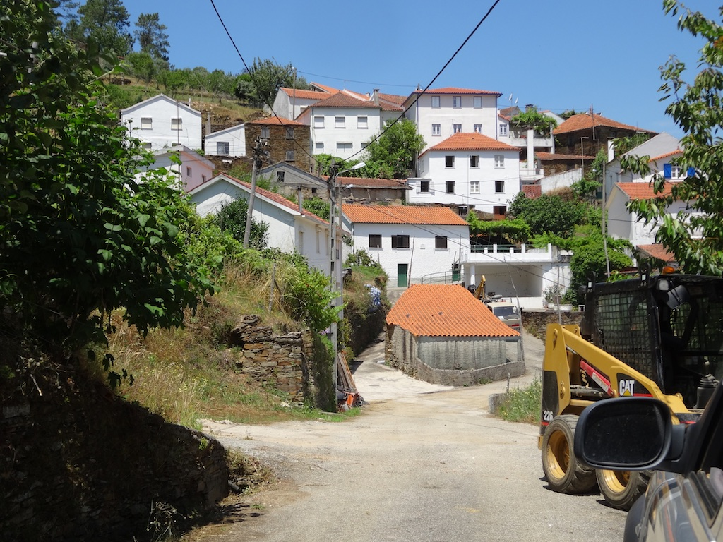 The village of Pai das Donas